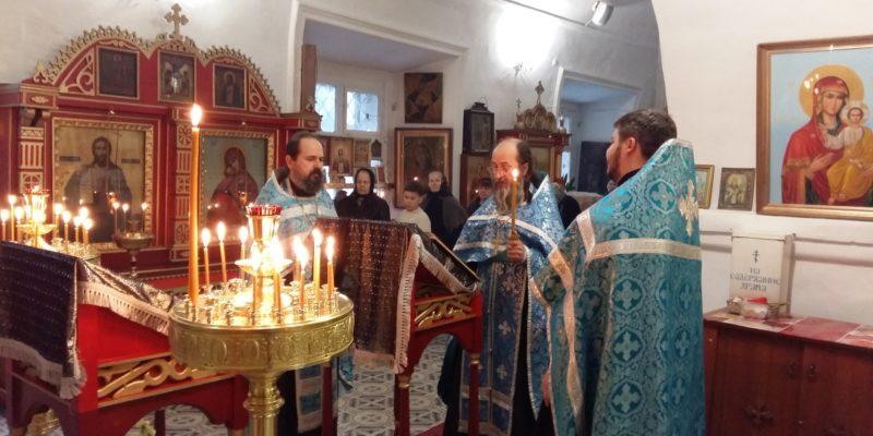 Суббота Акафиста в нашем храме-Похвала Пресвятой Богородицы